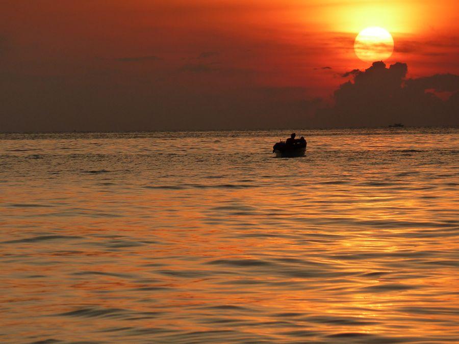 Borneo, Diving at Mabul and Sipadan Island, Alternativetraveling.com - P1070713